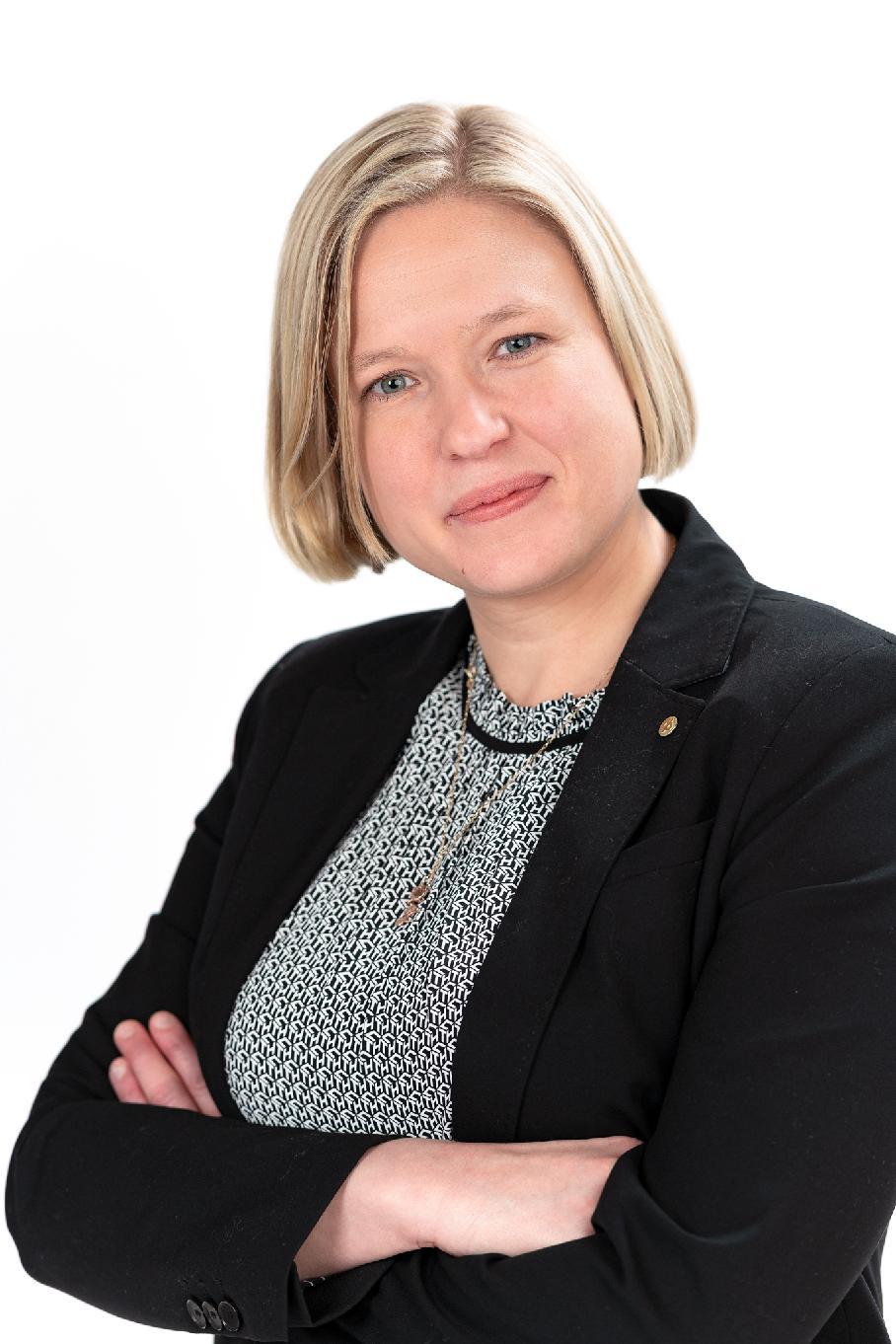 Susanna Holmgård  kontaktuppgift sparande placeringar andelsbanken raseborg yhteystiedot osuuspankki raasepori säästäminen sijoittaminen